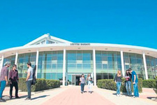 Yakın Doğu Üniversitesi maaşlı öğrenci alıyor