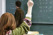 Sözleşmeli öğretmen alımına Eğitim Bir Sen'den tepki!