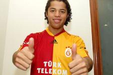 Galatasaray'ın eski futbolcusuna seks kasedi şantajı