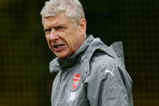 Arsene Wenger İngiltere'ye göz kırptı