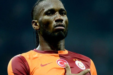 Drogba dedikodusu Galatasaraylı taraftarları coşturdu