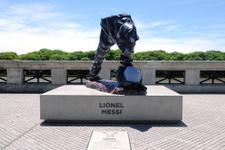 Arjantin'de Messi'nin heykeline saldırı