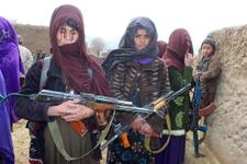 Afgan kadınlar DAEŞ'e karşı silahlandı