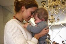 Tuğba Özay eski aşkının bebeğini görünce şoke oldu