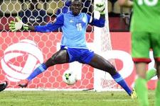 Sakatlık numarası yapan Senegalli kaleci rezil oldu