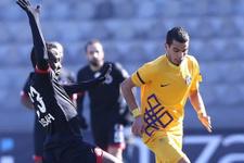 Gençlerbirliği-Osmanlıspor maçında gülen yok