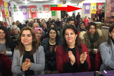 HDP'li Buldan'ın katıldığı 'hayır' kampanyasında olay fotoğraflar