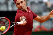 Roger Federer rakibini rahat geçti