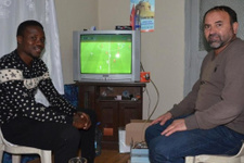 Teknik direktör oyuncusuna evini açtı