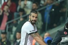 Beşiktaşlı yıldız oyundan alındı kulübeyi tekmeledi