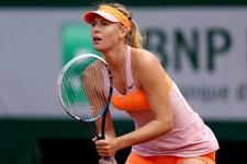 Sharapova finale adını yazdırdı