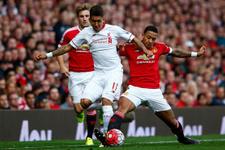 Manchester United ile Liverpool puanları paylaştı
