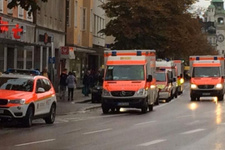 Münih'te bıçaklı saldırgan çok sayıda kişiyi yaraladı