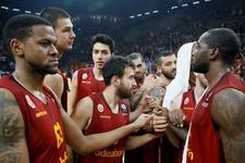 Galatasaray Odeabank Karşıyaka'yı rahat geçti
