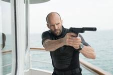 Jason Statham kimdir filmleri Ezgi Mola onun peşinde