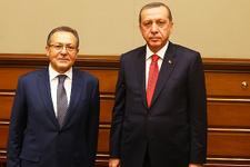Ahmet Edip Uğur istifa etti mi?