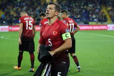 Emre Belözoğlunun İzlanda maçında hareketi tepki çekti!
