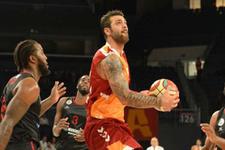 Galatasaray Odeabank'tan farklı zafer