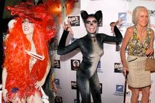 Cadılar bayramı kraliçesi oldu! Kıyafetlerine bakın olay yarattı!