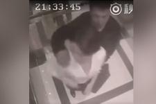 Genç kadını asansörde taciz etmeye başladı sonrası ise çok fena...