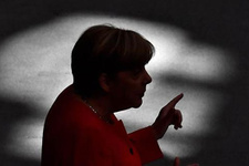 Merkel'in partisi son 6 yılın en dibinde