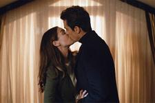 Siyah Beyaz Aşk 5.bölüm Aslı ve Ferhat dudak dudağa izleyenler şoke oldu