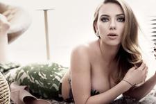 En ideal vücutlu oyuncu Scarlett Johansson