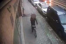 Bisikletli tacizci kız çocuklarının kabusu oldu!