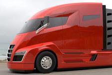 Tesla Semi ortaya çıktı! Elon Musk'un elektrikli tırı bomba