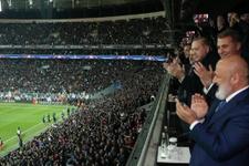Cenk Tosun attı Cumhurbaşkanı Erdoğan dakikalarca alkışladı
