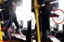 İETT otobüsünde dehşet anları! Şoför yolculara bıçak çekti