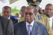 Zimbabve Devlet Başkanı istifa etti!