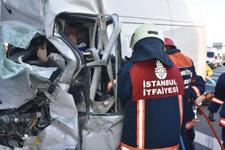 İstanbul-Ankara yolunda TIR devrildi! Trafik felç