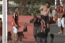 Arjantin'de tribün karıştı holiganlar çocukları bıçakladı!