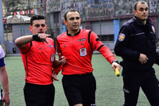 Hakemin burnunu ısıran futbolcuya hapis cezası!