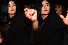 Ev partisinden zil zurna sarhoş çıktı muhabirlere çattı!