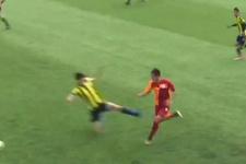 Fenerbahçe-Galatasaray maçında tepki çeken hareket!