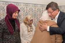 Davutoğlu'ndan Faslı şehidin ailesine ziyaret