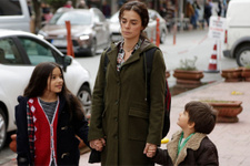 Kadın 3.bölüm fragmanı Bahar babasıyla ilgili şok gerçeği öğreniyor