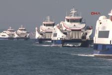 Yeni yolcu gemileri İzmirlileri selamladı