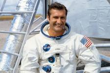 Apollo 12 astronotu Richard Gordon 88 yaşında hayatını kaybetti