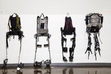 Dünyadaki ilk taşınabilir eksoskeleton basına tanıtıldı