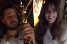 Murat Boz'dan 'En İyi Kadın Oyuncu' ödülünü alan sevgilisi Aslı Enver'e tebrik