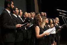 'Garip Ayağı Türküleri' konseri coşturdu