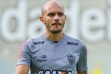 Fenerbahçe'nin yeni sol bek adayı Fabio Santos