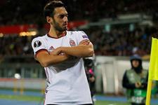 Hakan Çalhanoğlu'ndan transfer açıklaması!