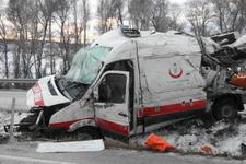 Ambulans kaza yaptı: Ölü ve yaralılar var!