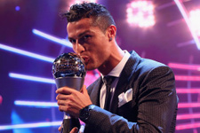Ballon d'Or'un sahibi Cristiano Ronaldo oldu