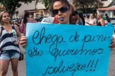 Polis eşleri bir haftadır grevde