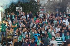 Bursasporlu taraftarlar Özlüce'ye akın etti